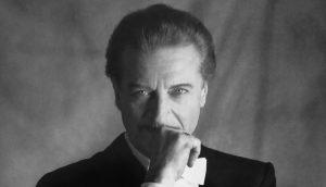 Alfredo Kraus: tenor y profesor de canto español.